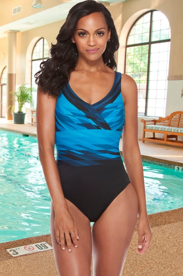 Chlorine Resistant Active Spirit Saltwater Stripe V-Neck One Piece Swimsuit with Pockets